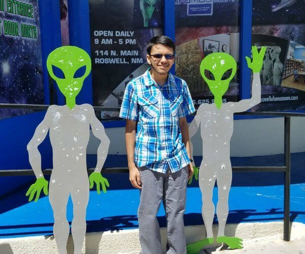 Brian Dashore in Roswell, New Mexico with Aliens